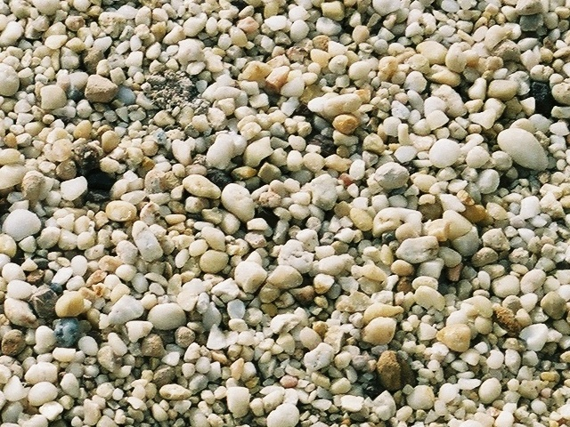 Landscape stone delivery for Smooth stones for landscaping